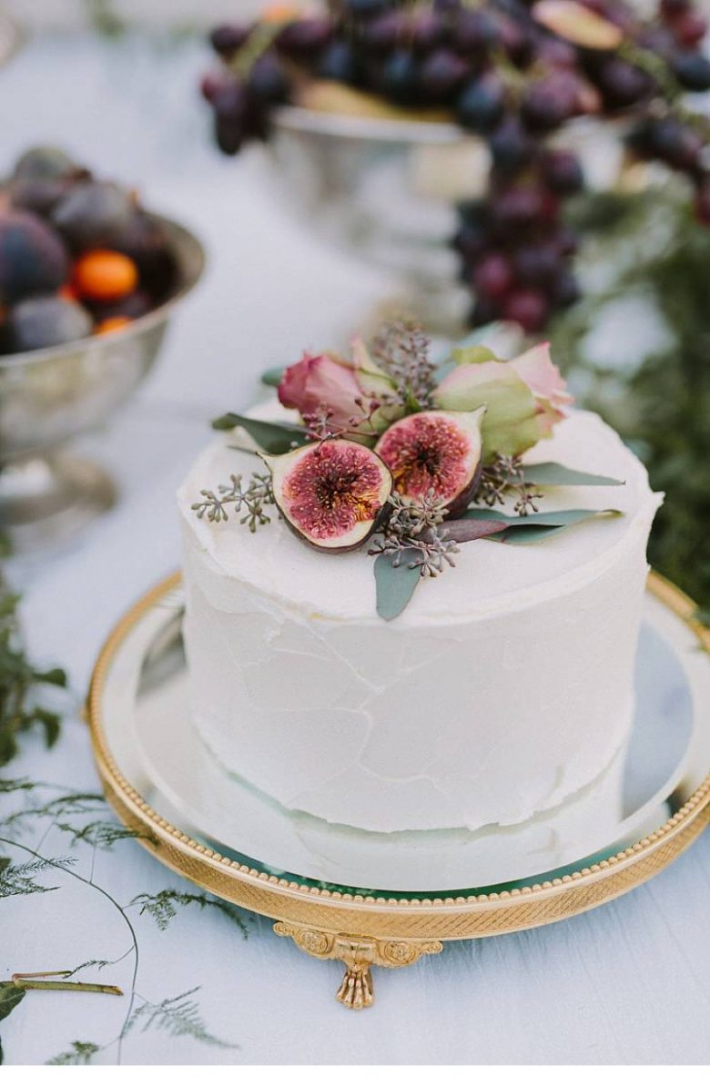 Cake Ideas For Small Wedding : 15 Small Wedding Cake Ideas That Are Big on Style